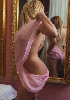 Josina-blonde-Escort